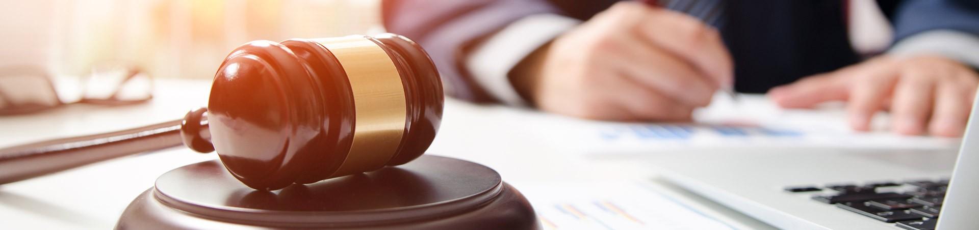 Rechtzaak Advocaat Procederen