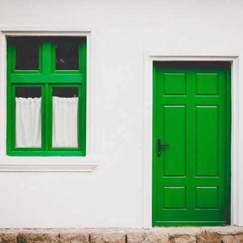 Een onjuiste woonoppervlakte in de brochure van een woning kan makelaars duur komen te staan.