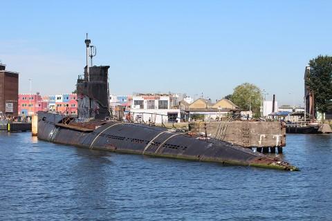 S.O.S.: Onderzeeboot zonder ligplaatsvergunning